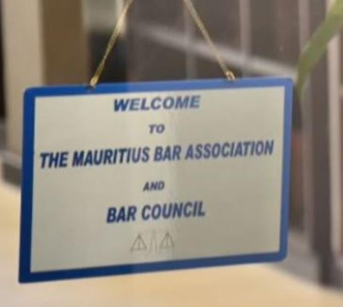 Bar Council : un fauteuil pour quatre
