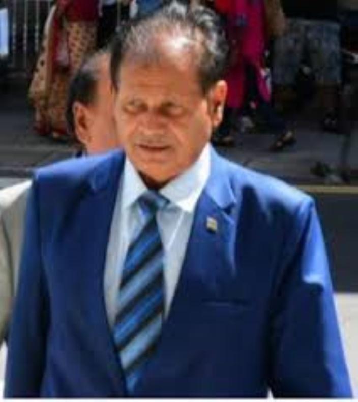 Raj Dayal veut retourner à son bureau au ministère de l'Environnement
