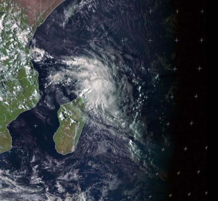 La future tempête tropicale Herold est à environ 675 km au Nord-Ouest