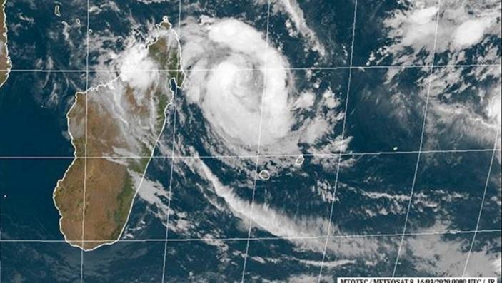 Le cyclone Herold à 600 km de Maurice, forte probabilité d'un passage en alerte 2