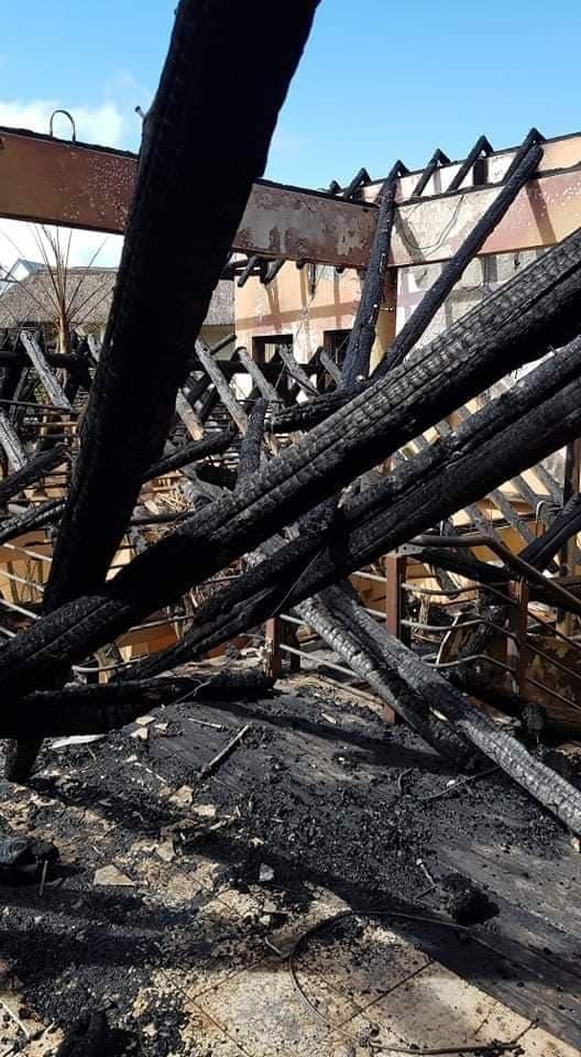 Grand-Baie : Le complexe commercial Kapu Kai de Dawood Rawat part en fumée