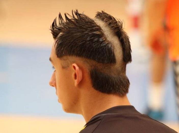 """Sans coiffeur, """"capillairement"""" parlant ça se passe comment en période de confinement ?"""