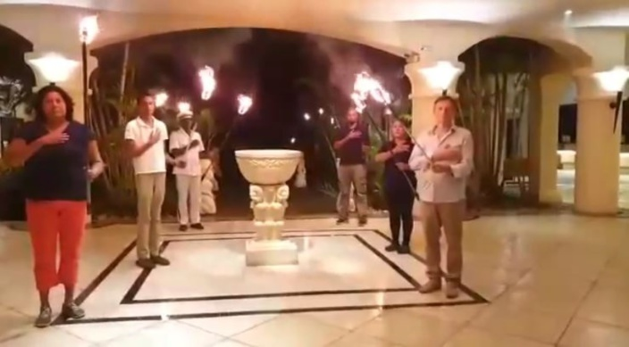[Vidéo] L'hommage du personnel de l'hôtel Hilton à Carl Ah Teck
