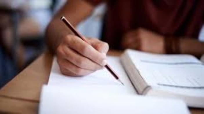 « Repoussez les examens du SC et du HSC »