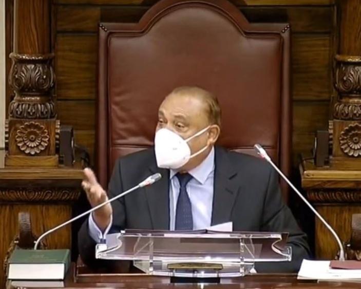 Air Mauritius : Le Speaker Sooroojdev Phokeer vole au secours du ministre des finances Padayachy