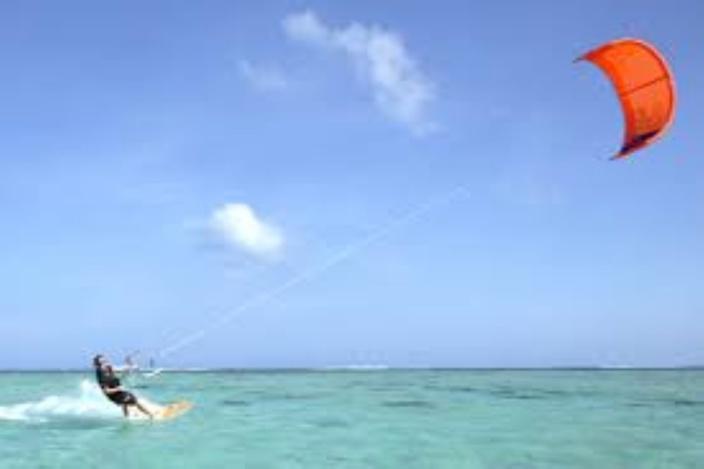 Au Morne: Un ressortissant Suisse pratiquant du kitsurf hier est porté disparu en mer
