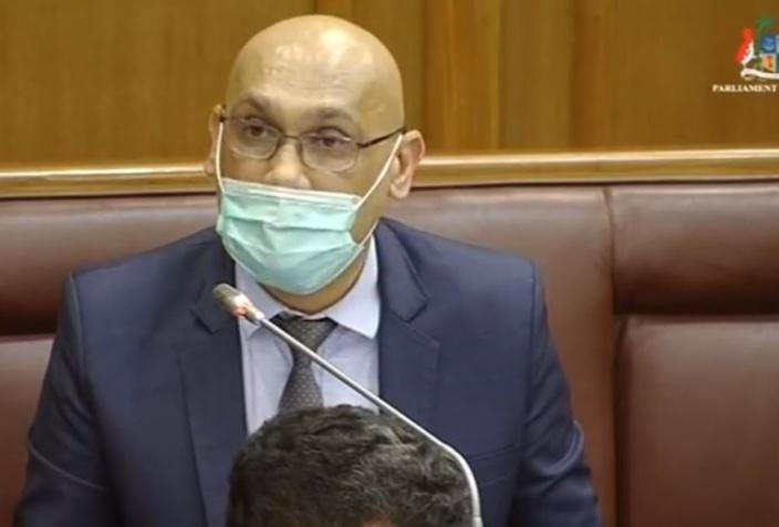 Scandale pharmaceutique : Jugutpal se défend comme un beau diable au Parlement