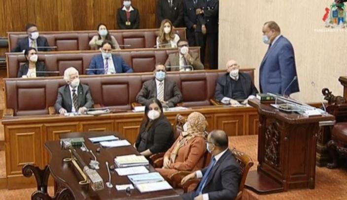 Séance parlementaire : Paul Bérenger expulsé, la séance suspendue