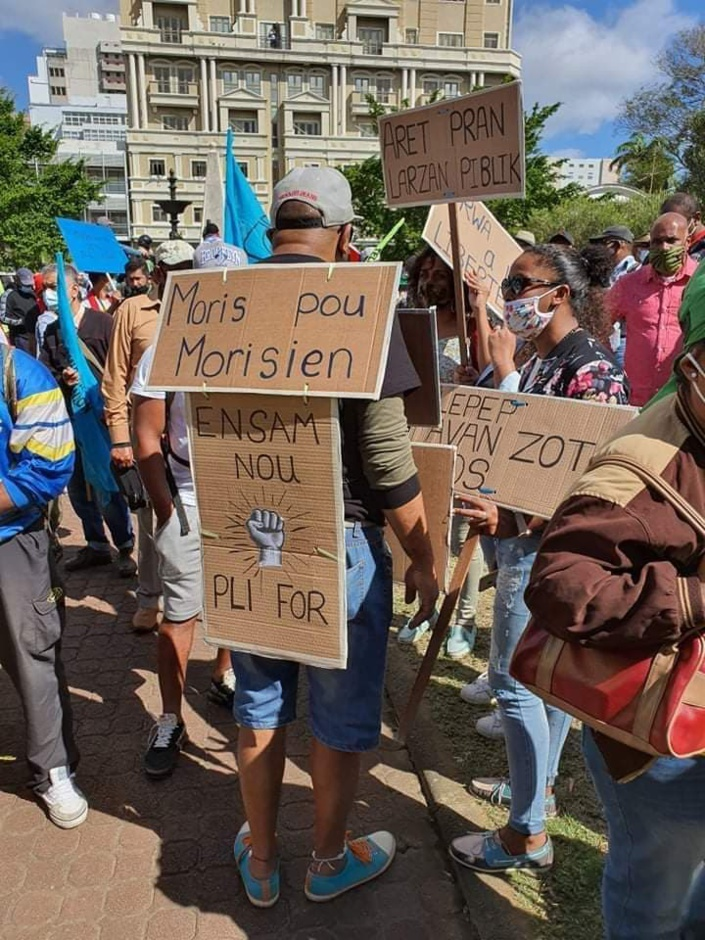 [Diaporama] La marche des libertés et de la démocratie dans les rues de la capitale