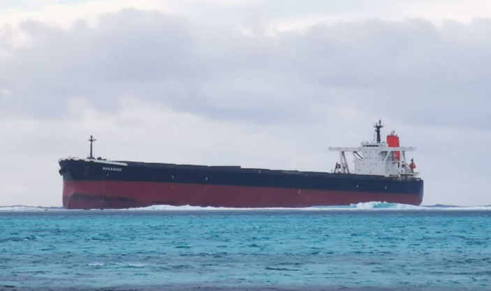 Pointe d'Esny : Le pétrolier Wakasio en difficulté, le National Oil Spill Contingency Plan activé