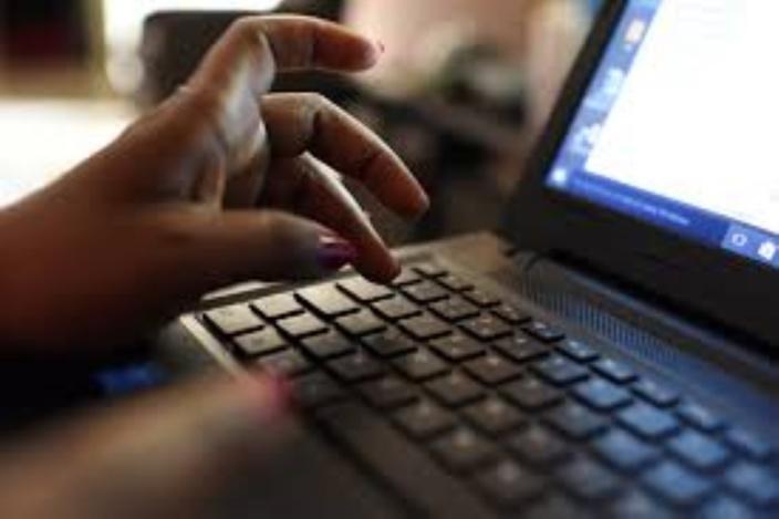 Vidéos jugées offensants contre Pravind Jugnauth : une internaute écope de Rs 25 000 d'amende