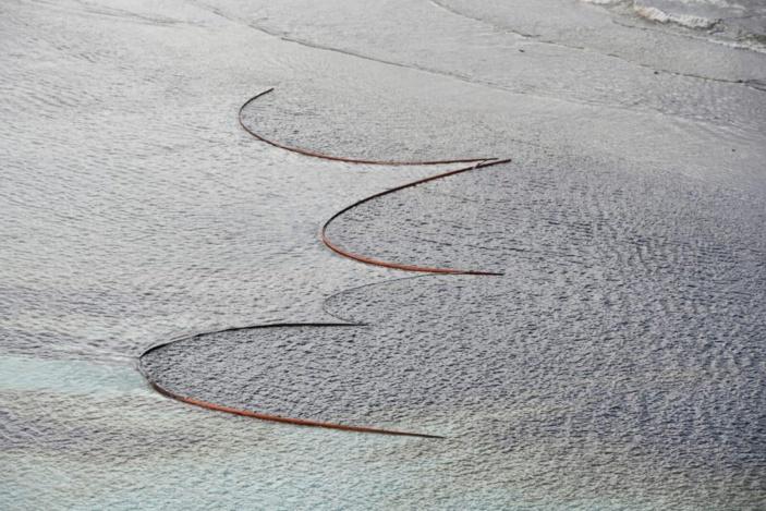 Catastrophe écologique à Pointe d'Esny : La marée noire menace le parc marin de Blue-Bay et Mahebourg