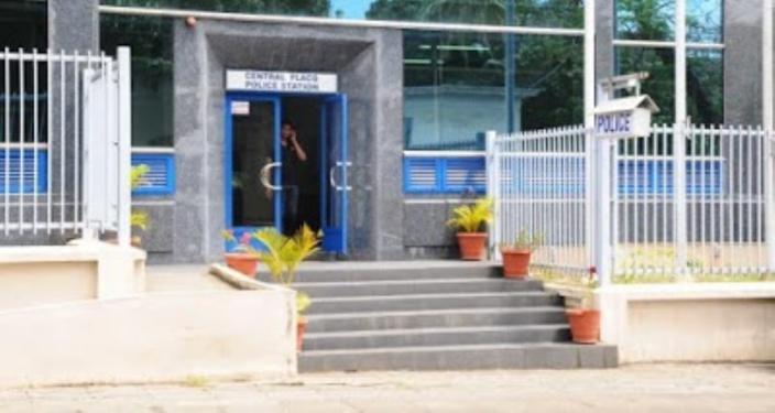 Un suspect tente de s'évader du poste de police de Flacq