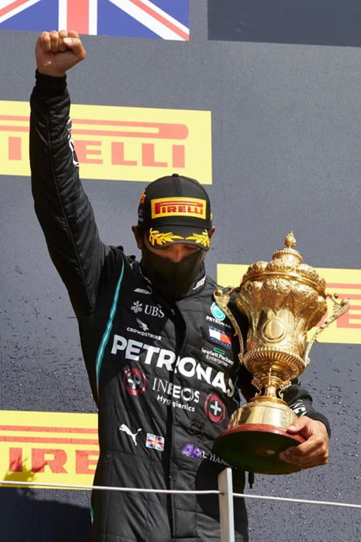 Réaction violente de Lewis Hamilton, champion du monde de Formule 1, face à la catastrophe écologique à l'île Maurice