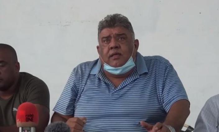 Harmon reporte sa grève de la faim