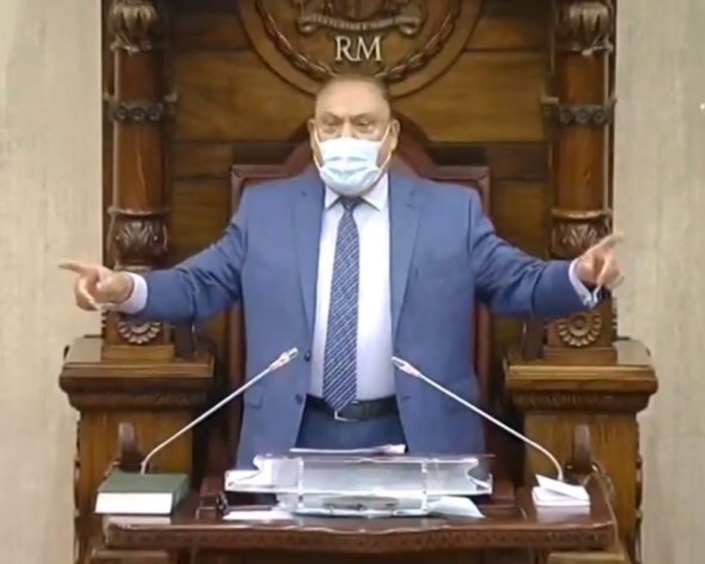 Sooroojdev Phokeer réclame des sanctions contre Shakeel Mohamed