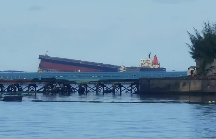 Wakashio : Le directeur des Affaires maritimes, Alain Donat affirme que « le bateau ne s'est pas encore cassé »