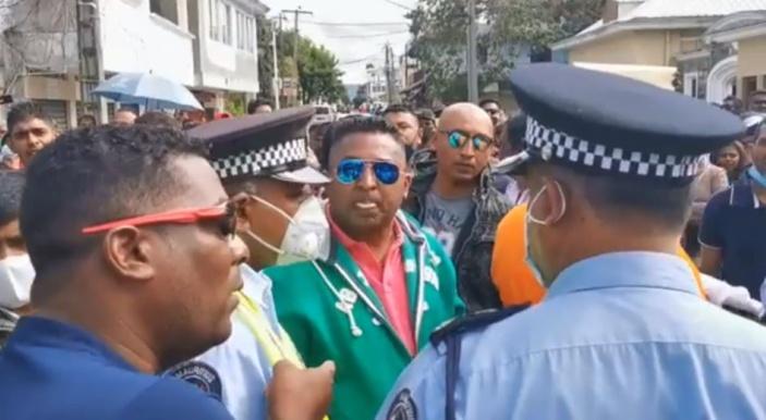 Deeraj Sangam, gérant du Domaine du Sucre et agent du ministre Maudhoo, reçoit une Precautionnary Measure