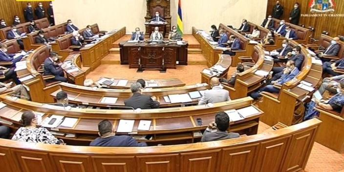 Le Parlement en vacances après la séance d'aujourd'hui ?