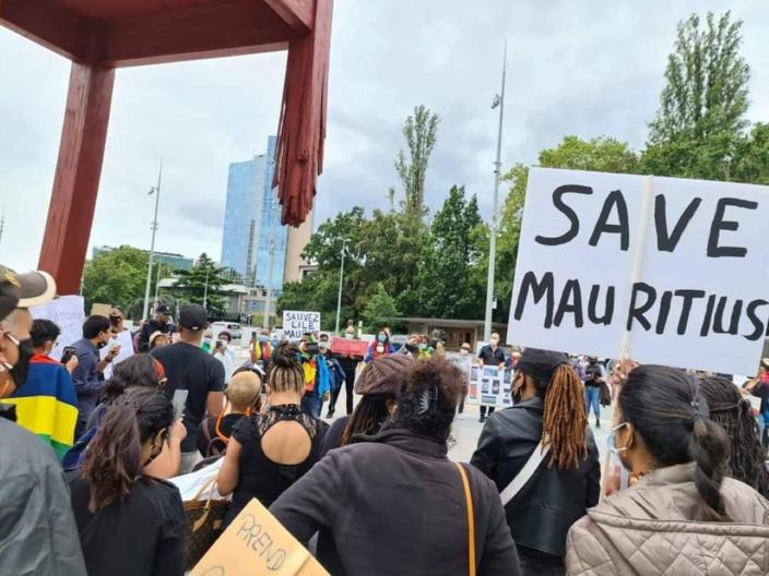 [Diaporama] Les Mauriciens manifestent en Suisse et font entendre leurs voix