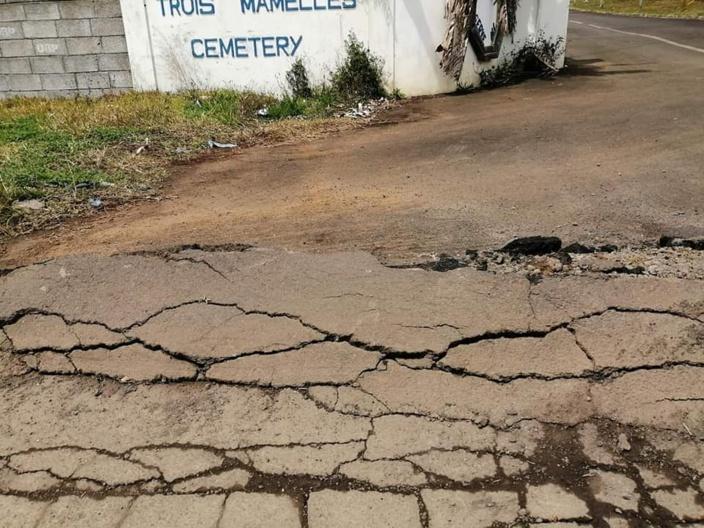 [Diaporama] L'état des routes dans la ville de Phoenix/New-York ressemble à un champs de mines