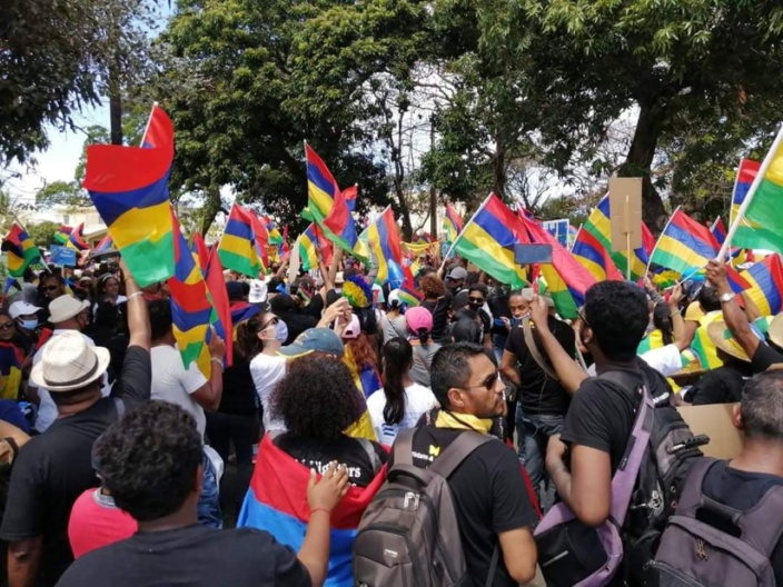 Mahébourg, la capitale du Sud, accueille des milliers de Mauriciens en colère