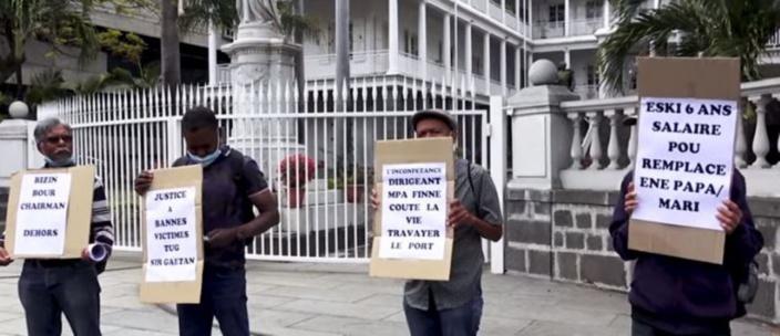 Des employés du port réclament la démission de toute la direction
