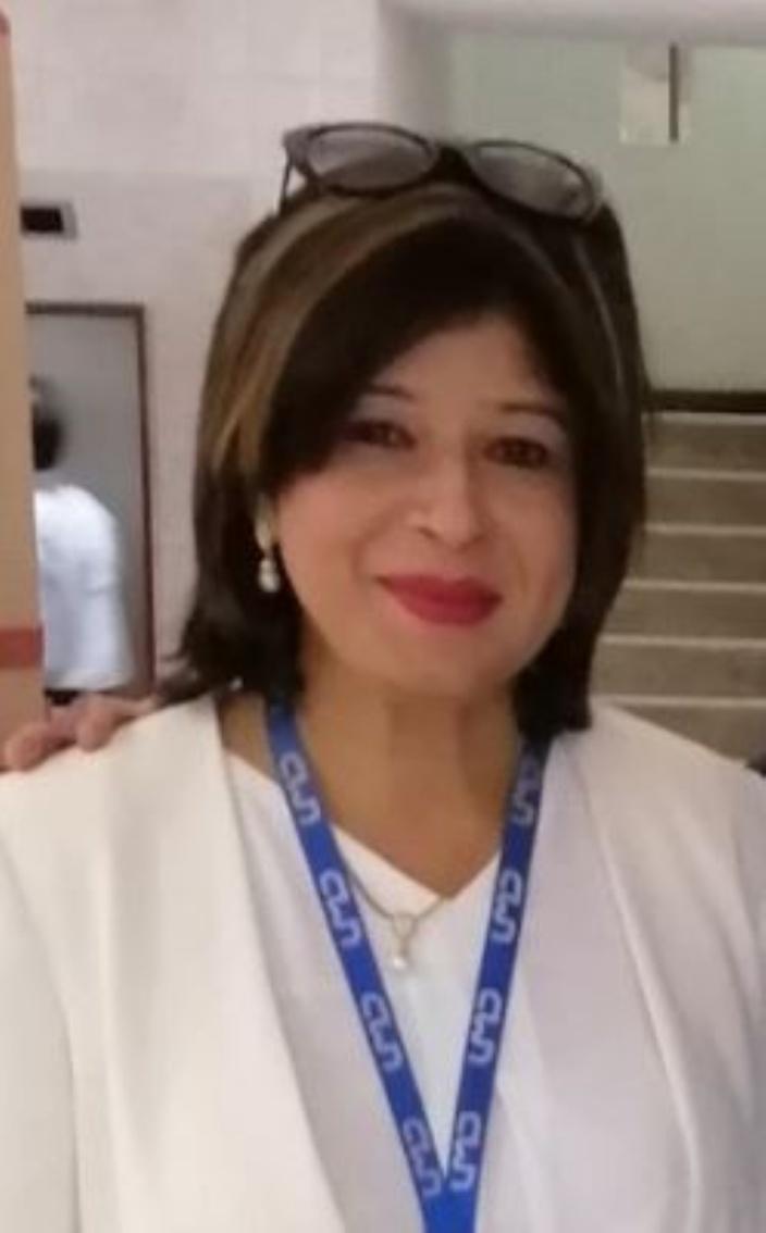 Dorina Prayag dans de beaux draps