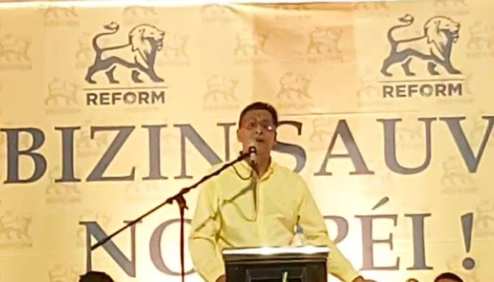 Roshi Bhadain souhaite la démission de l'opposition pour déclencher des élections générales