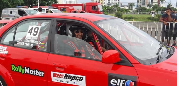 Le pilote de rallye mauricien Hashim Maudarbocus trouve la mort dans un accident de voiture