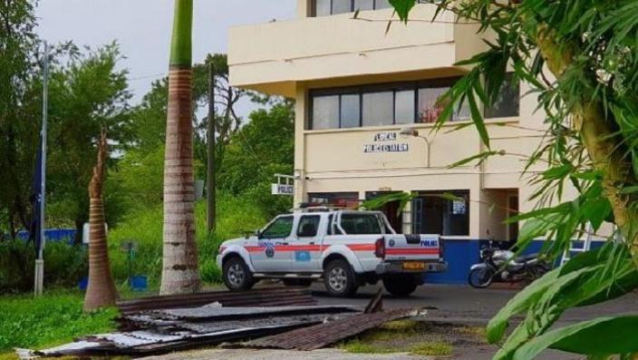 Corps d'un homme retrouvé dans un bassin à Floréal : un suspect arrêté