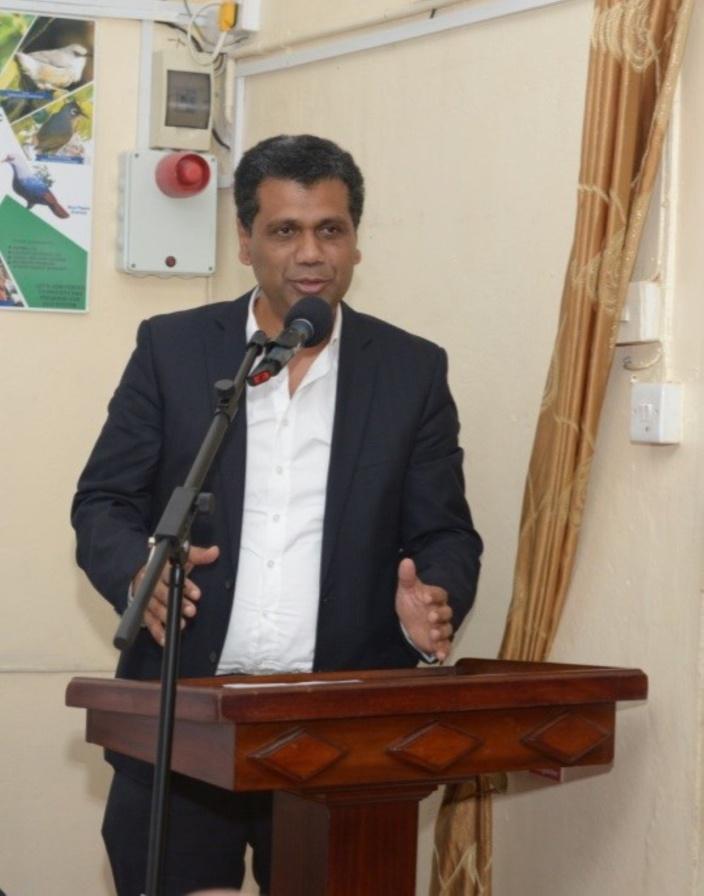 Le Ministre de l'environnement, Kavi Ramano, accuse AKNL d'être « antipatriote»