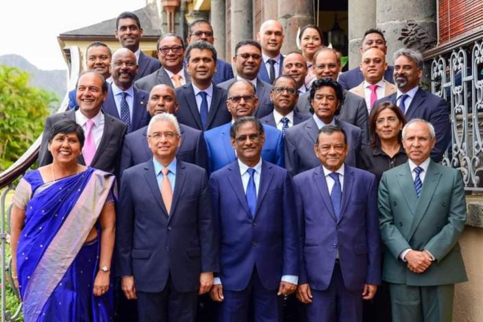 Liste des Constituency Clerks : le nom de l'épouse d'un ministre circule