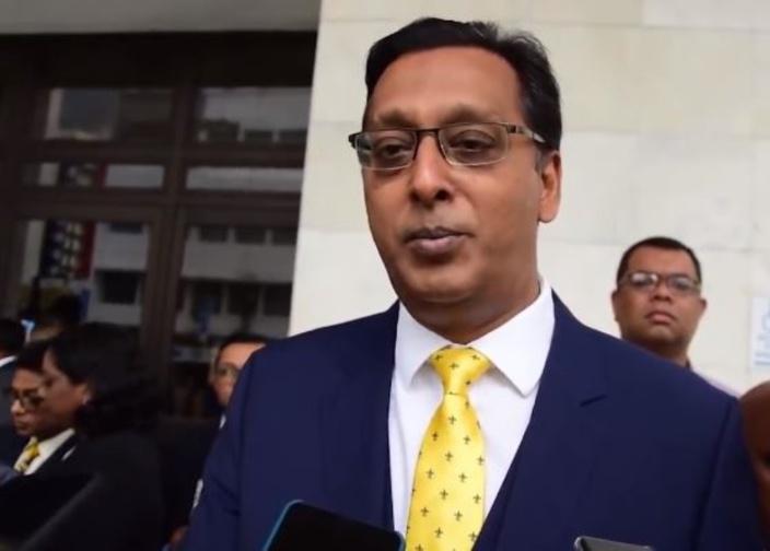 Opposition : Roshi Bhadain accepté à la table des grands