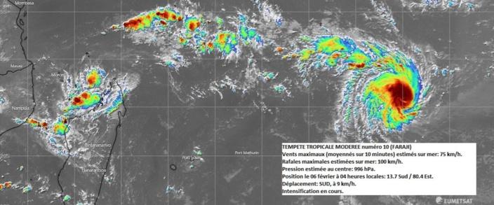 La tempête baptisée Faraji à environ 2500 km à l'est-nord-est de Maurice