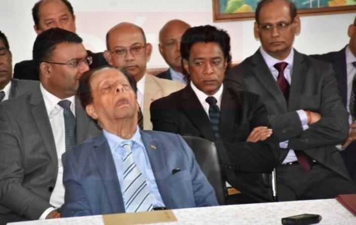 Nando Bodha considéré comme «un traître» par sir Aneerood Jugnauth