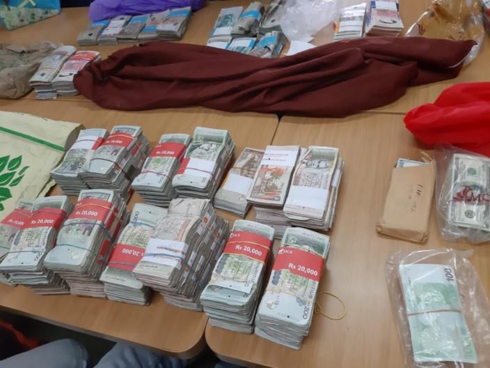 Blanchiment d'argent à Congomah : Saisie de Rs 13 millions et des pierres précieuses chez un planteur