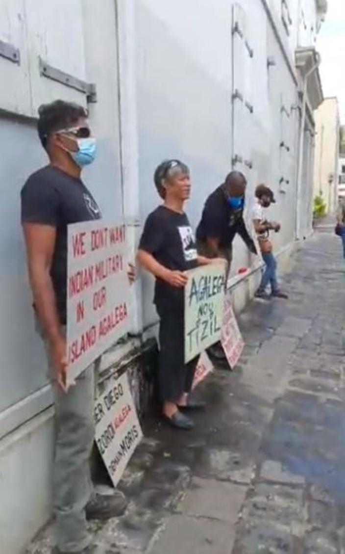 Agaléga : Manifestation citoyenne devant le parcours du ministre des Affaires étrangères indien