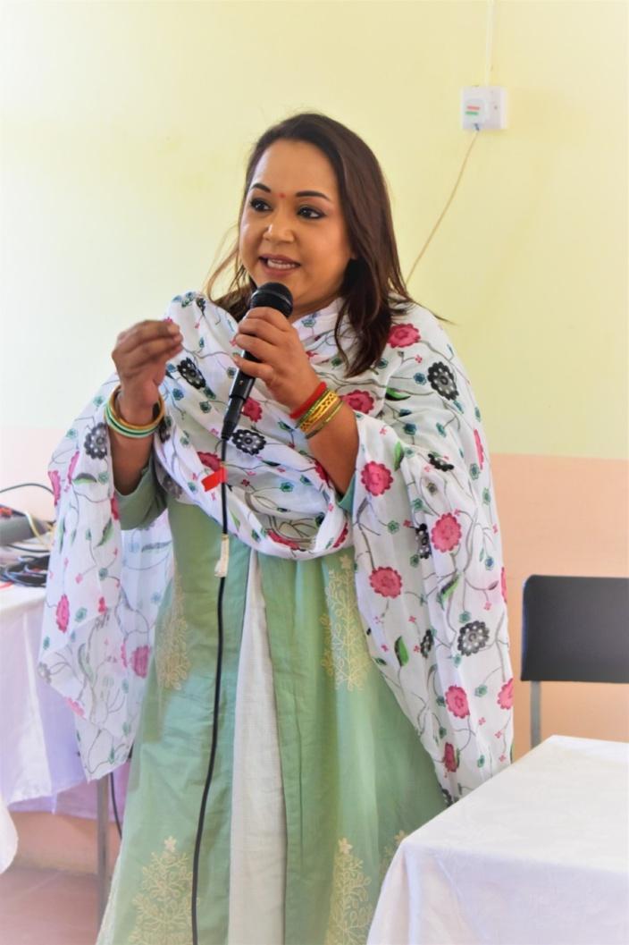 Journée internationale des femmes, la haie d'honneur qui fait polémique : Kalpana évoque une confusion