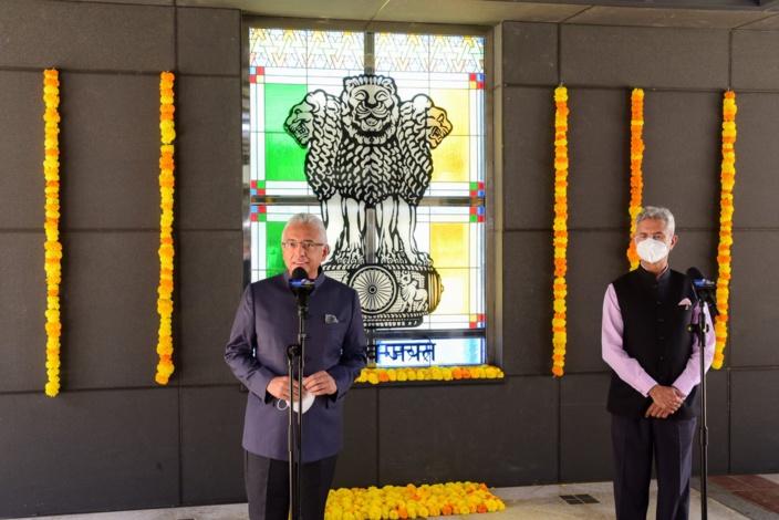 En visite à Maurice, le ministre indien, Dr Subrahmanyam Jaishanka, a sorti le chéquier