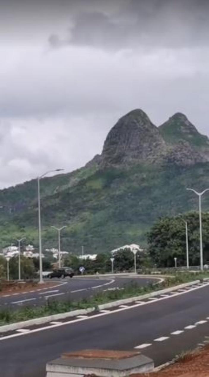 Route de 3 kms à Rs 300 millions : la RDA s'explique...péniblement