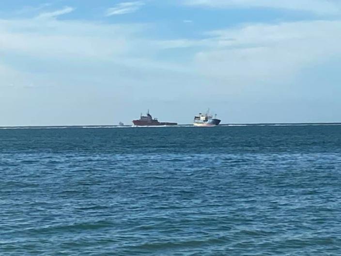 Pointes-aux-Sables : Le pompage d'huile a démarré à bord du navire chinois