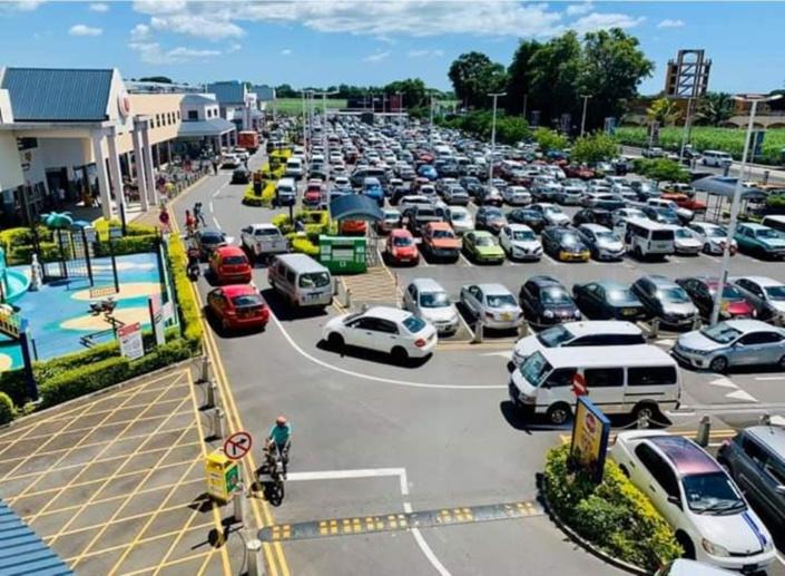 Confinement national : Fermeture des supermarchés, boutiques, superettes, stations d'essence ce mercredi