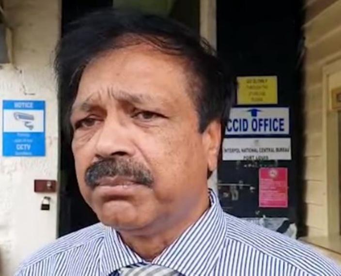 Le DCP Jangi rencontre les parents des suspects du meurtre de Fakhoo