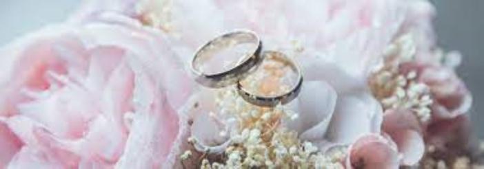 Après la tentative d'avortement, il lui propose le mariage à 17 ans