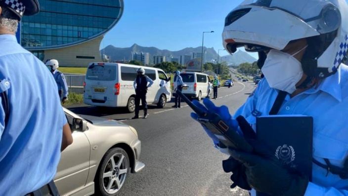 Violation de la Quarantine Act : La police passe à l'action