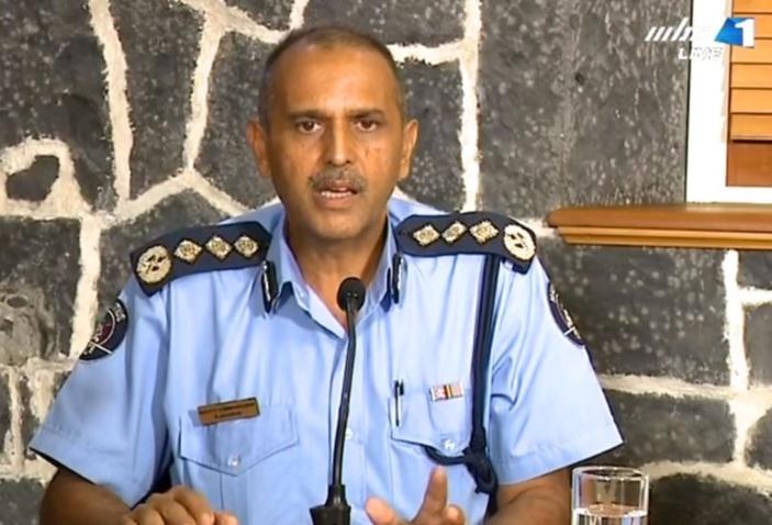 La délirante invitation du DCP Krishna Jhugroo d'envoyer les photos sur le 59408999