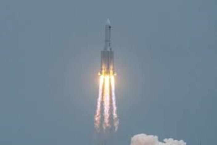 Retour incontrôlé d'une partie de la fusée chinoise Longue-Marche 5B près des Maldives