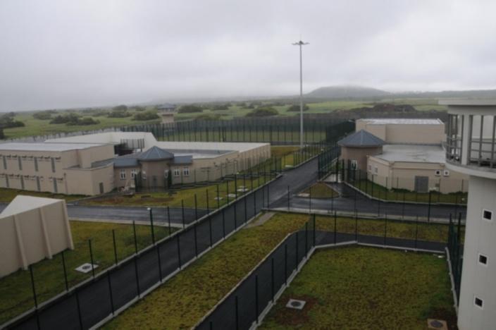 Décès d'un détenu à la prison de haute sécurité de Melrose : une seringue retrouvée à ses côtés