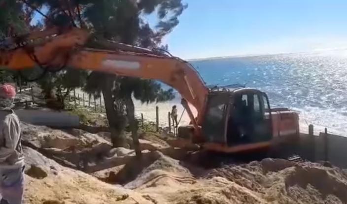 [Vidéo] Un nouveau projet privé sur la plage publique de Belle Mare